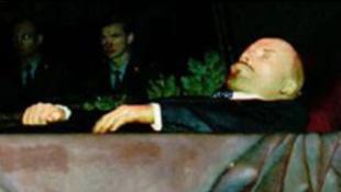 Lenin szétbalzsamozott teste nem kapott új ruhát