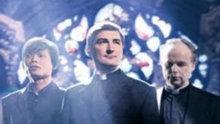 Bukja a karrierjét a családot alapító pap?