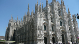 Örökbe fogadhatjuk a milánói dóm tornyait