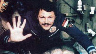 Unicum és tévémaci az űrben
