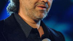 Andrea Bocelli lediplomázott