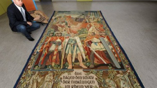 Goebbels szőnyege a helyére került