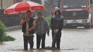 Méteres víz öntötte el Miskolc utcáit