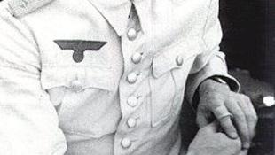 Kitüntetést adott a holokauszt-emlékközpont az egykori Wehrmacht-tisztnek
