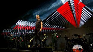 Áttöri a legendás falat Roger Waters