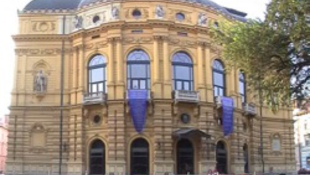 Tucatnyi premier lesz Szegeden