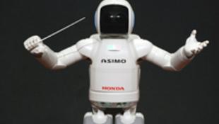 Sztárvendégek: a csellista és a robot