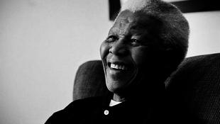 Meghalt Nelson Mandela