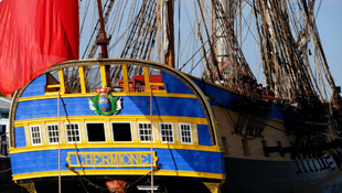 Útra kelt a történelmi hajó