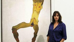 Provokatív képek: újabb tömegeket sokkol a művésznő