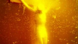 Kalapáccsal verték szét Krisztust