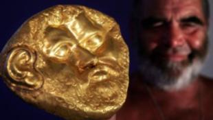 Arany halotti maszk Nagykanizsán