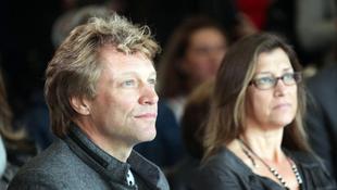 Rászorulókon segített Bon Jovi