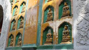 Nő a fejetlenség a Buddháknál