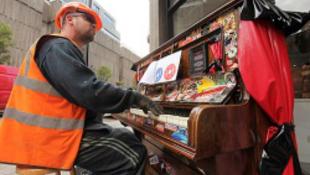 Köztéri zongorákat állítanak fel a városban
