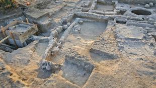 900 éves szökőkutat találtak a híd mellett