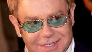 Perverz Elton-horror karácsonyra