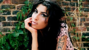 Eltemették Amy Winehouse hamvait