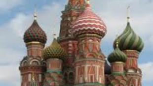 Megünnepelték az oroszok a félkegyelműt
