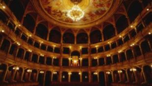 Verdivel búcsúzik az Opera