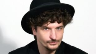 Újra Budapesten Novák Péter előadása