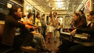 Busóromantika és medve a hegedűvel