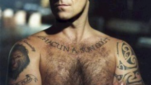 Csak reklámfogás volt Robbie Williams lánykérése