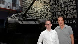 Tom Hanks hazánkban: ezt mindenkinek látnia kell!