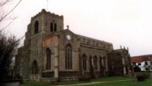 Zsúfolt volt a templom, épített magának kápolnát
