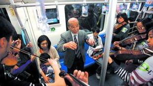 Koncert a metróban