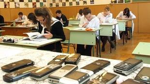 Újságcikket is feladtak a magyar érettségin