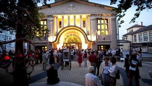 Van egy vidéki város, amely mágnesként vonzza a zenészeket