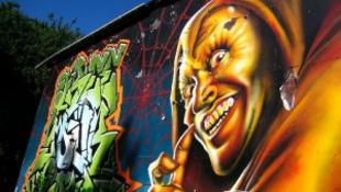 Van különbség graffiti-műalkotás és fajra fújt krikszkraksz között