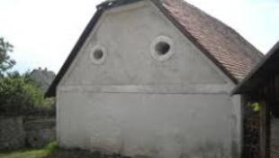Domborművet avatnak Cseh Tamásnak