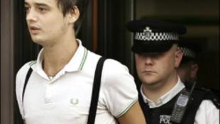 Bocsánatot kért a meghülyült brit rocker