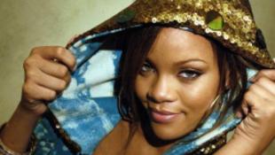 Felgyulladt a színpad Rihanna koncertjén