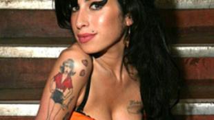 Amy Winehouse ma lenne 28 éves