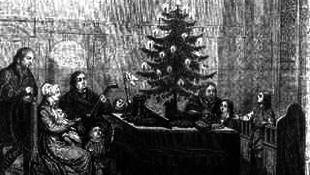 Fekete díszek, tollak, flitterek: idén a karácsonyfák is szexi ruciba öltöznek