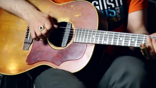 Világhírű gitárossal turnézik a magyar csapat