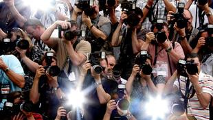 Szigorú törvény született a paparazzi ellen