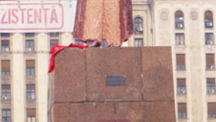 Lenin-szobrot állítottak Bukarestben