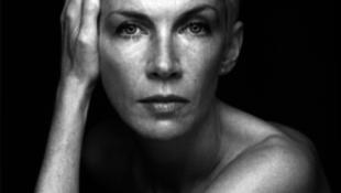 Kitüntették Annie Lennoxot