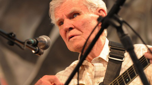 Elhunyt a világhírű gitáros