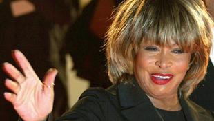 73 évesen házasodik Tina Turner