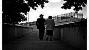 Holtukig keresik a szerelmet a franciák