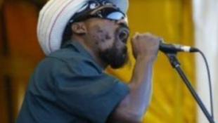 Civilek kontra reggaefesztivál