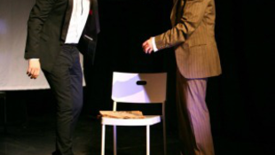 Színház fiatal SZEM-mel