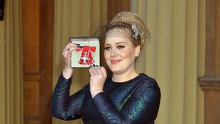 Adele a Buckingham-palotában
