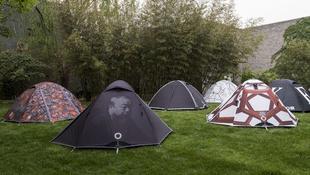 Aj vej-vej a folyóparton sátrazik