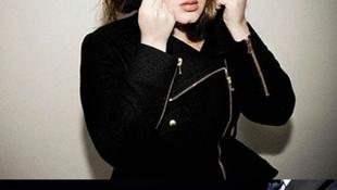 Még James Bond sem tud ellenállni Adele megindító hangjának